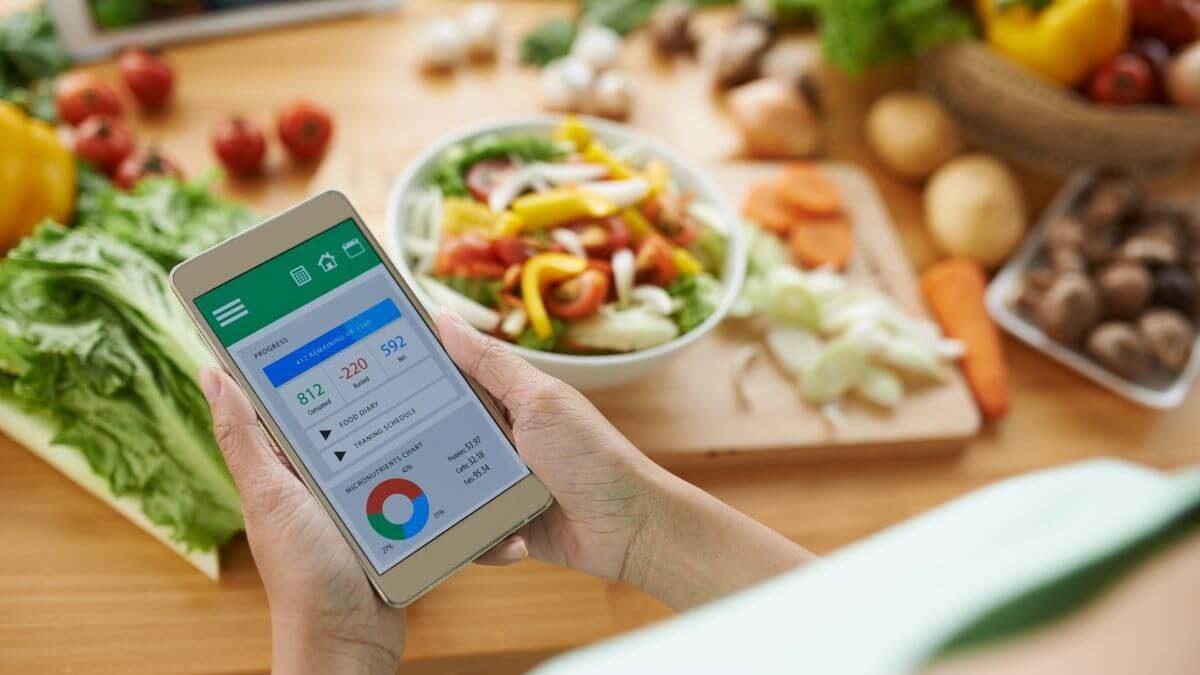 Koľko kalórií denne prijať: ako ich počítať + kalkulačka (všetko o dennom energetickom príjme)