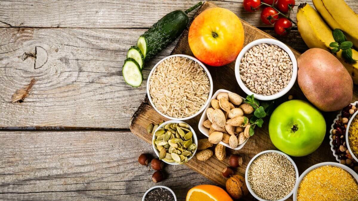 Aké sú najlepšie zdroje vlákniny? 60+ potravín bohatých na vlákninu v prehľadných tabuľkách